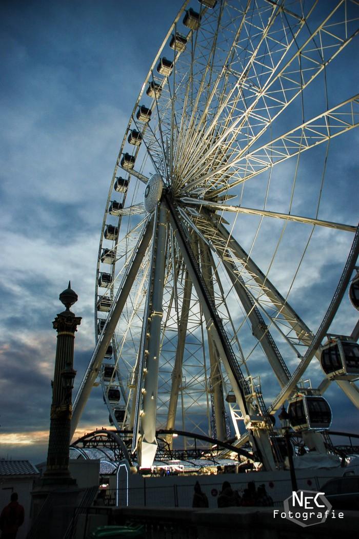 Paris Riesenrad bei Nacht