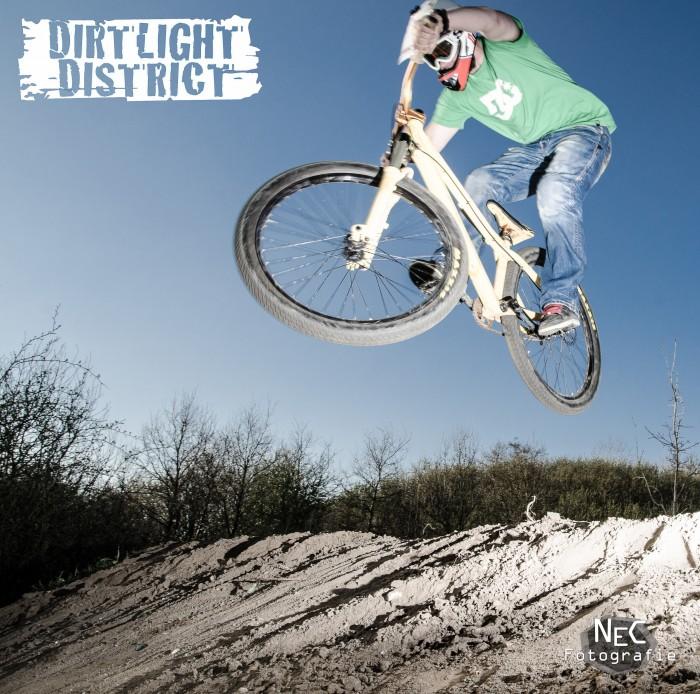Dirtlight District, Dirt Jump