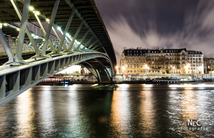 Paris Brücke bei Nacht