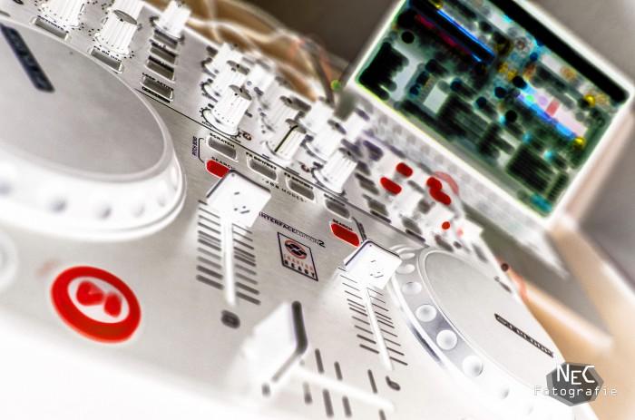DJ Pult invertiert