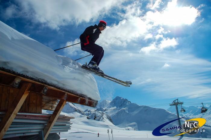 Ski Sprung vom Dach Ischgl Samnaun