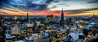 Hamburg City bei Sonnenuntergang, Michel, Elbphilharmonie, von oben