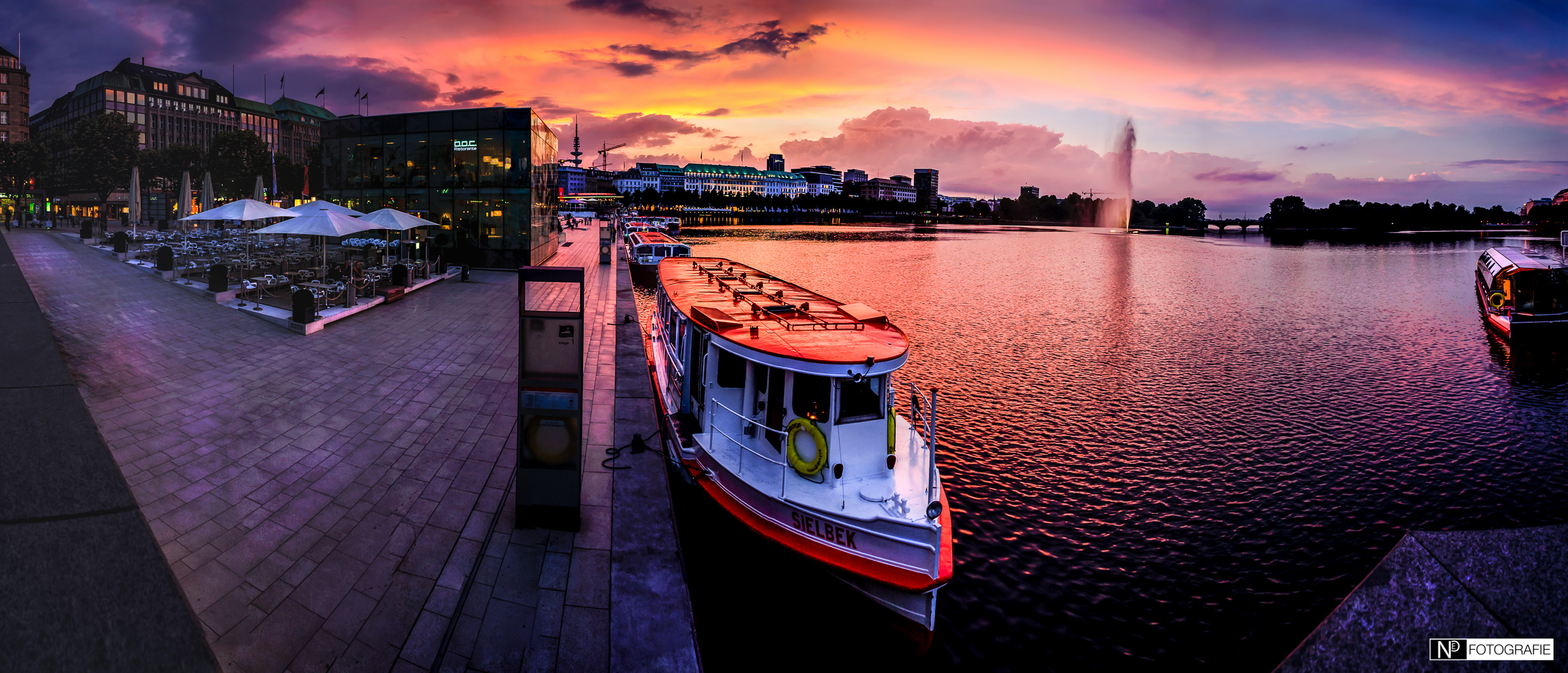 Hamburg Alster Sonnenuntergang Jungfernstieg